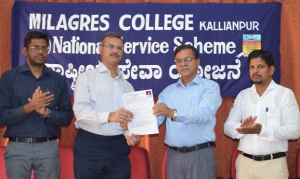 Dr. Gerald Pinto Donates his body to KMC during an event on Organ and body donation at Milagres College
